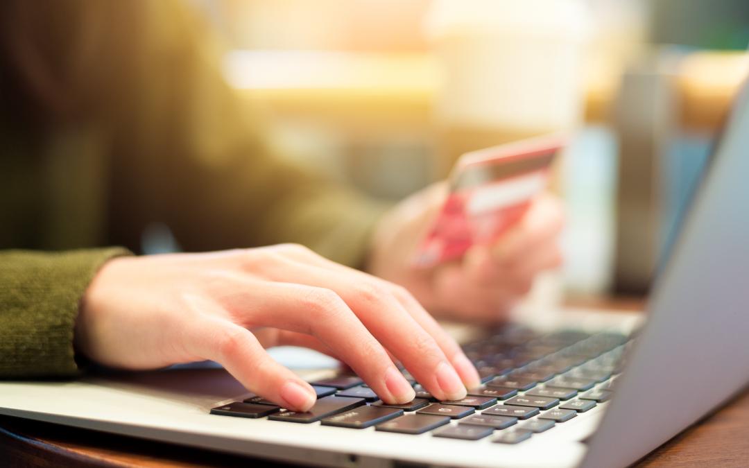 Pagá tus pólizas con tarjeta de débito de manera online y desde nuestra web